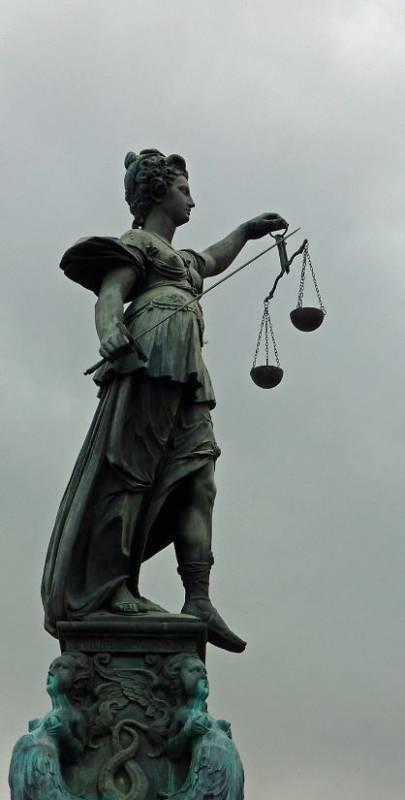 EUGH_Urteil_Kirchenrecht_Lupo_pixelio
