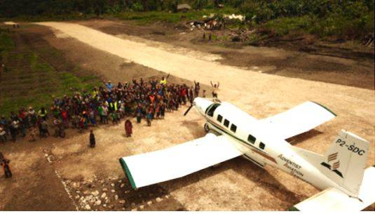Flugzeug_Wetap_PapuaNeuguinea_AR