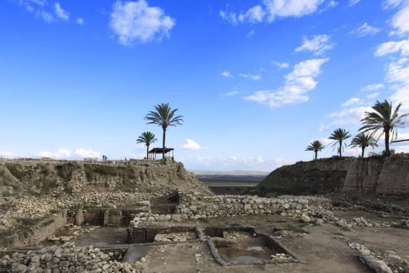 Ausgrabungen_Megiddo_ISrael_PaulRetzmanik_churchphoto