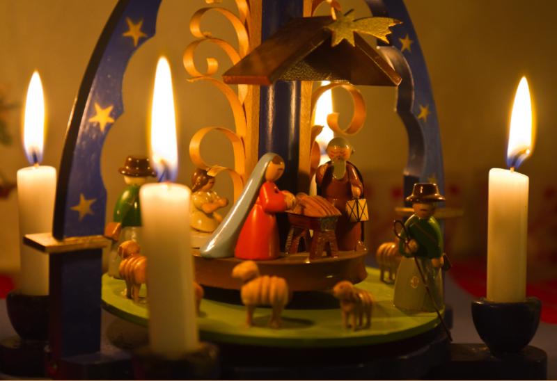 Weihnachten_Kerzen_MatthiasMueller_churchphoto