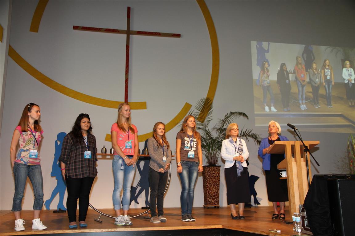 Fünf ehrenamtliche Helferinnen